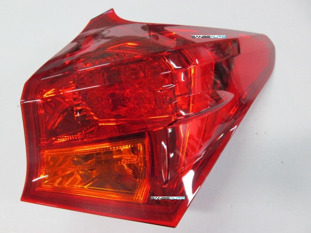 TOYOTA AURIS 13-*PILOTO TRASERO DCH EXTERIOR LED(KOITO)